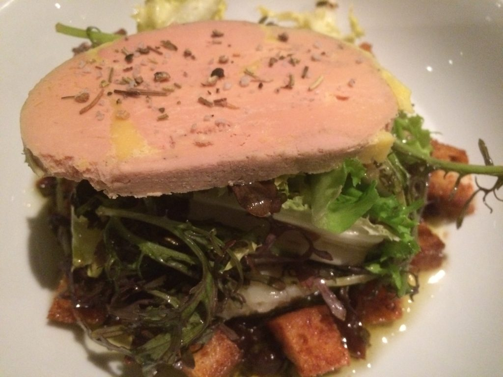 Artichaut camus et foie gras rafraîchis, sauce à l'angevine