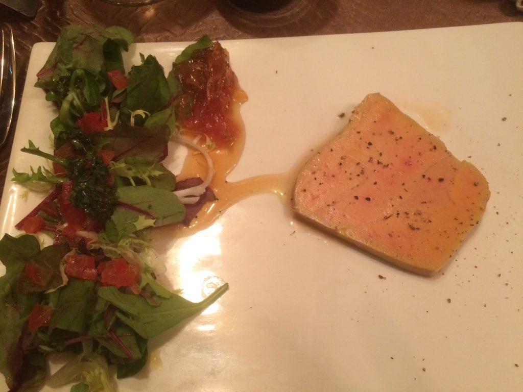 Foie gras maison au Coteau de l'Aubance et confit d'oignons