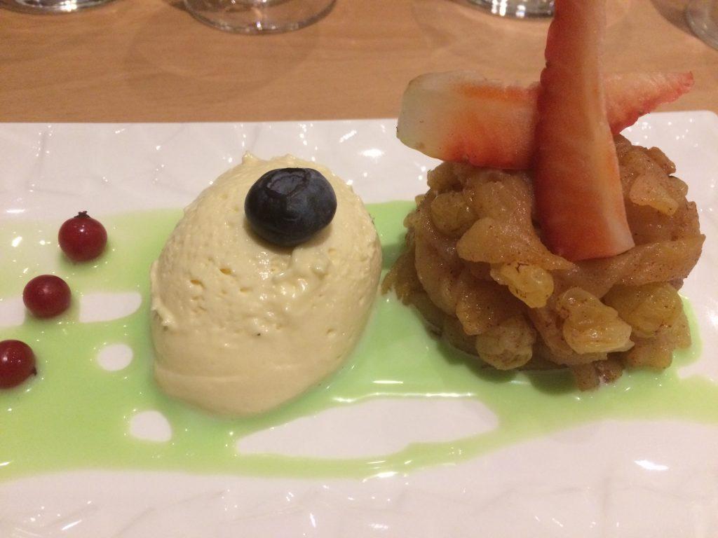 Pommes caramélisées aux raisins et cannelle, mascarpone vanille, crème pistache