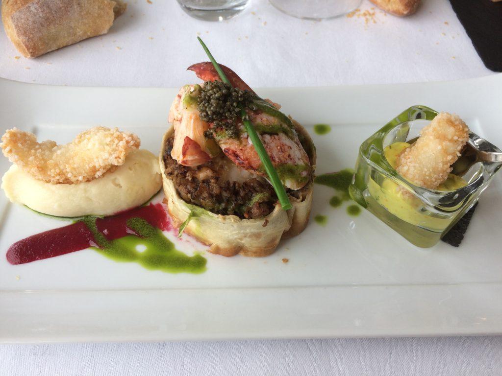 Association de homard et langoustines façon burger